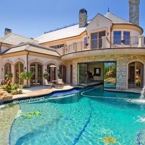 Pool Homes in Las Vegas Henderson Real Estate